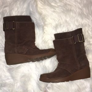 100% Leather Sorel wedge boots